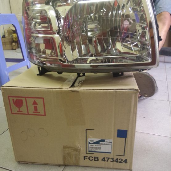 phutunggiare.vn - ĐÈN PHA PHẢI FORD EVEREST 2007 - UM81510K0B