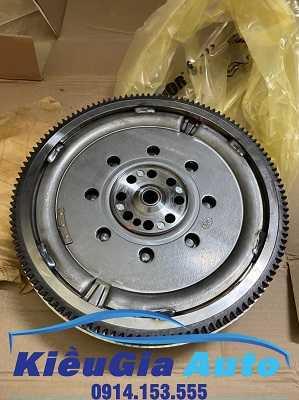 phutunggiare.vn - BÁNH ĐÀ HYUNDAI GRAND STAREX-232002C200, sản xuất bởi Mobis