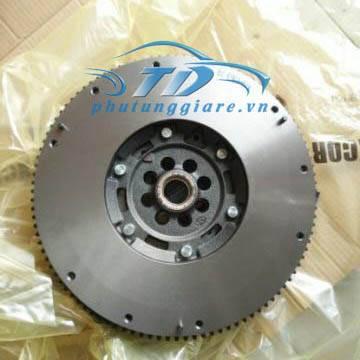 phutunggiare.vn - BÁNH ĐÀ NISSAN NAVARA 25 DCI-415036310, sản xuất bởi Nissan OEM