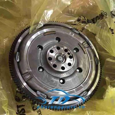 phutunggiare.vn - BÁNH ĐÀ NISSAN NAVARA D40-B011A0BV2E, sản xuất bởi Nissan