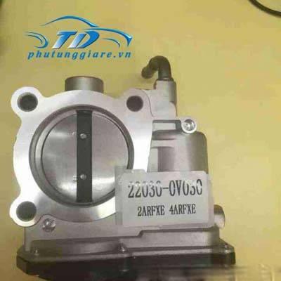phutunggiare.vn - CỤM BƯỚM GA TOYOTA CAMRY-220300V030, sản xuất bởi Toyota