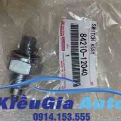 phutunggiare.vn - CÔNG TẮC ĐÈN LÙI TOYOTA HIACE - 8421012040-1